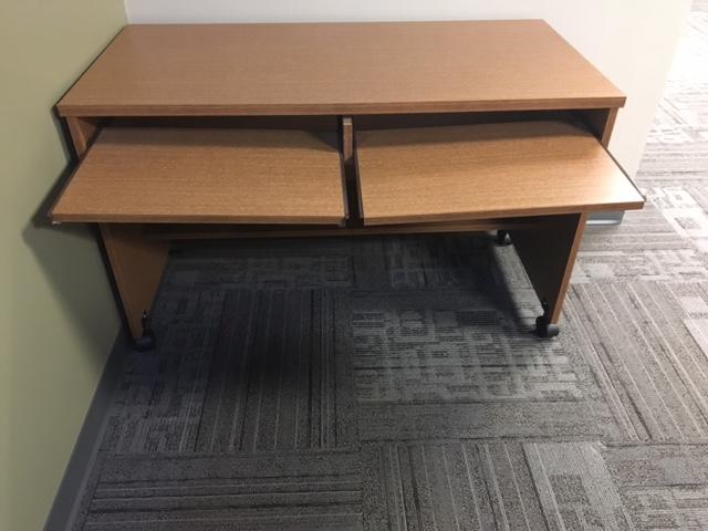 Rolling computer desk 1.3