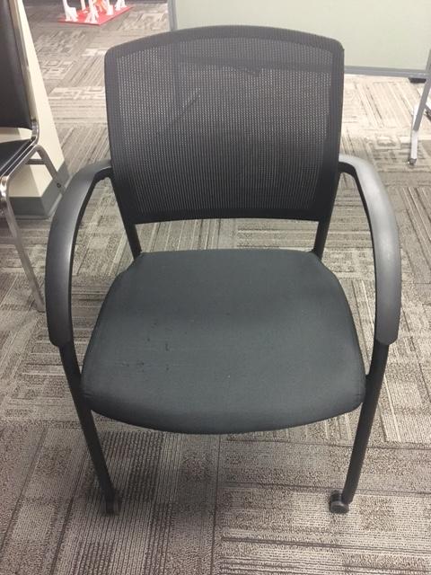 black rolling task chair