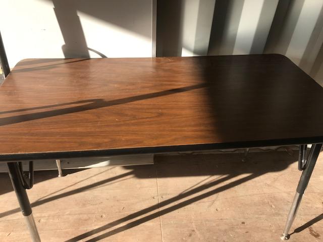 rectangular table 4ftx2ftx28in